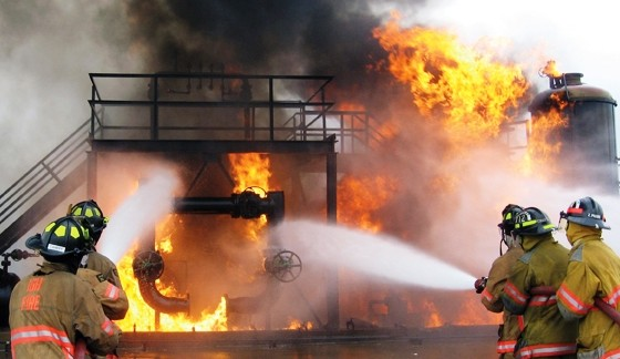 Building guidance confounds fire experts